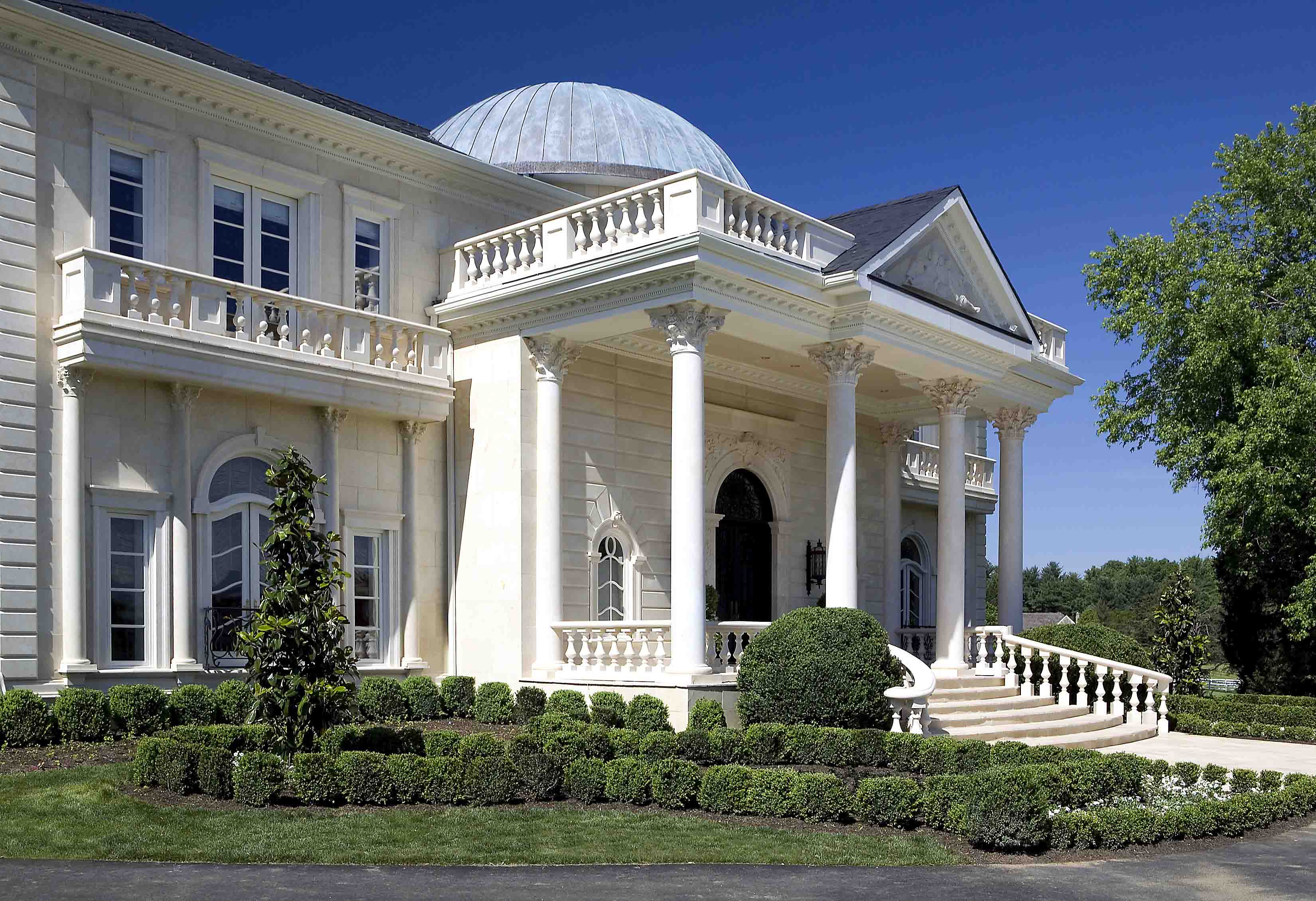 Entrance of luxury residential property in Potomac, Maryland